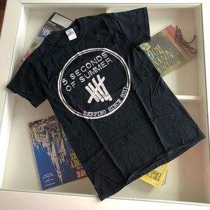 Gently Used 5 Seconds of Summer T Shirt